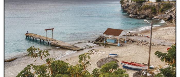 Playa Grandi, der Schildkröten Strand zum SChnorcheln und Tauchen in Westpunt. Mit dem Neptun die Statue unter Wasser. Genaue Tauchplatzkarte findet ihr im Tauchreiseführer